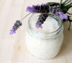 DIY Lavender sugar scrub - mix equal parts coconut oil and sugar with fork to combine, then add Lavender oil and place in a small canning jar. (ex: cup each sugar and oil, with 1 tsp lav oil) Homemade Beauty, Diy Beauty, Beauty Hacks, Beauty Tips, Beauty Products, Beauty Stuff, Homemade Gifts, Diy Gifts, Natural Products