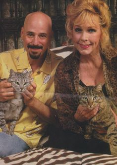 Stella Stevens, Robert Kulick and cats Stella Stevens, Yazoo, Cat People, Dog Cat, Princess Zelda, Cats, Fictional Characters, Gatos, Cat