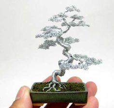 針金で作られたミニチュア盆栽「nanobonsai」