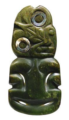 Hei tiki pendant, Maori, New Zealand MAORI PENDANT, HEI TIKI, NEW ZEALAND. A SYMBOL OF GOOD LUCK. Tiki Art, Tiki Tiki, Flower Tattoo Foot, Flower Tattoos, Maori Tribe, New Zealand Tattoo, Key Tattoos, Skull Tattoos, Foot Tattoos