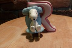 Peanuts Wesland Alphabet Letter R, Snoopy in a rocking chair, Collectible Snoopy by Morethebuckles on Etsy