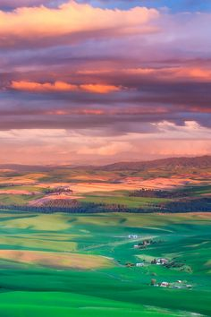 Fading color, the Palouse, Washington, by Vinny Pickens, on 500px.(Trimming)
