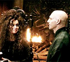 """ Ralph Fiennes on Bellatrix's obsession with Voldemort "" Harry Potter Gif, Harry Potter Icons, Mundo Harry Potter, Harry Potter Drawings, Harry Potter Wallpaper, Harry Potter Characters, Harry Potter Universal, Harry Potter World, Draco Malfoy"