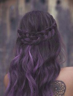 Do you want dark purple hair color? We have pictures of Amazing Dark Purple Hair Color Ideas that will inspire the purple diva in you! Dark Purple Hair Color, Brown Ombre Hair, Ombre Hair Color, Cool Hair Color, Hair Colour, Black Hair Dip Dyed, Black To Purple Ombre, Faded Purple Hair, Diy Ombre Hair