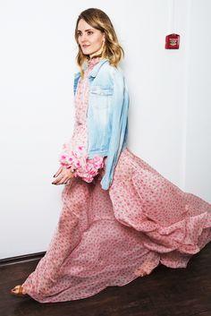 «Жду лета, чтобы надеть платье Yanina Couture. Буду носить с простой джинсовой курткой—  по-моему, это иесть настоящая мода».