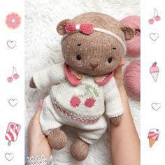 Teddy Bear Knitting Pattern, Baby Knitting Patterns, Hand Knitting, Crochet Patterns, Teddy Bear Clothes, Teddy Bear Toys, Crochet Animals, Crochet Toys, Knitted Blankets