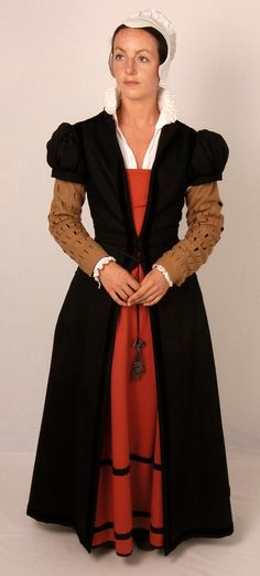 Pattern for Women's Elizabethan Fitted English Gowns - Large Sizes