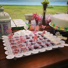 #festa #festas #party #festaemcasa #aoarlivre #floral #flores #flower #jardim #natureza#festejar #ideias #bolo #cake #doces #rosa #festapersonalizada #scrapfesta #scrap #artesanal #flor #provencal #feitopormim #forminhas #forminhapersonalizada #doces #docinho #toppers #topper #cores #festejando #lucianabluz #homemade #handmade