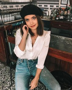 silk button up + boyfriend jeans + beret Fall Outfits, Casual Outfits, Cute Outfits, Fashion Outfits, Pretty Outfits, Barett Outfit, Effortlessly Chic Outfits, Outfits Mujer, Fashion Corner