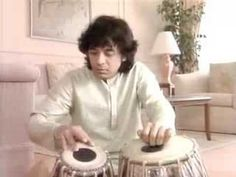 A very nice performance by Zakir Hussain - YouTube