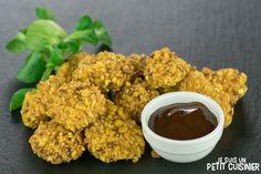 Comment faire des nuggets de poulet au maïs grillé. Des beignets recouverts de l'un des amuse-gueules très populaire en Espagne: les kikos. Recette facile