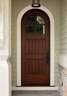 cute wood door craftsmen/tutor style