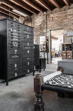 Industriële ladekast met 27 laden, en bedrukt ijzer, zwart