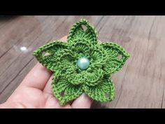 How to make a knit flower # knit flower patterns # ornament flower - Knitting Crochet Simple, Love Crochet, Learn To Crochet, Beautiful Crochet, Knitted Flower Pattern, Knitted Flowers, Crochet Braids, Crochet Designs, Crochet Patterns