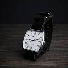 Poljot watch - vintage watch - soviet vintage watch - watches for men - mens watch - watch vintage - USSR watch - mechanical watch - White watch Poljot de luxe 17 jewels Poljot is a brand of Soviet and Russian watches made by the First Moscow Watch Factory, since the 1960s. In #menswatchesvintage