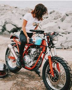About Cafe Racers Women Riding Motorcycles, Vintage Motorcycles, Custom Motorcycles, Custom Bikes, Style Cafe Racer, Cafe Racer Girl, Street Tracker, Lady Biker, Biker Girl