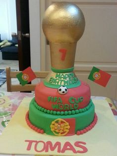 I made this cake for a football lover