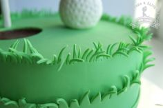 Golf cake Love the trim. Draw straight edge on fondant, then use scissors to cut? Golf Themed Cakes, Golf Birthday Cakes, Party Desserts, Party Cakes, Fun Cakes, Golf Cupcakes, Cupcake Cakes, Birthday Cake For Husband, Dad Cake