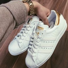 Are you addicted to adidas sneakers? Great Adidas Sneakers for and on feet! Find here the best of adidas Originals! Adidas Superstar, Adidas Shoes Women, Nike Women, Adidas Sneakers, White Sneakers, Adidas Boost, Cute Shoes, Me Too Shoes, Basket Sneakers