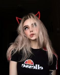Community Wand Fotos - Lilly is Love Grunge Look, Grunge Girl, 90s Grunge, Grunge Style, Soft Grunge, Bad Girl Aesthetic, Aesthetic Grunge, Tumblr Outfits, Grunge Outfits