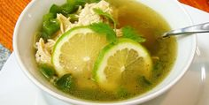 5 recetas para saborear la cocina yucateca: Sopa de lima | México Desconocido