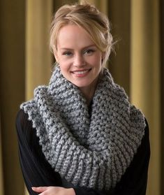 Voluminous Cowl Free Knitting Pattern in Red Heart Yarns
