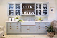 Сушилка для посуды в шкаф: советы по выбору и 70 практичных вариантов для современного интерьера http://happymodern.ru/sushilka-dlya-posudy-v-shkaf/ Двухъярусная сушилка для посуды над мойкой, встроенная в конструкцию настенных шкафчиков кухонного гарнитура