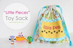 """""""Little Pieces"""" Toy Sack with drawstring closures. www.makeit-loveit.com #kids #diy #tote"""