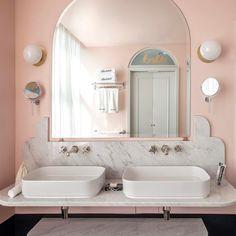 "814 mentions J'aime, 18 commentaires - Dorothée Meilichzon (@dorotheemeilichzon) sur Instagram: ""Good morning !! Waking up @henriettahotel  #London #new hotel #bathroom #dorotheemeilichzon…"""