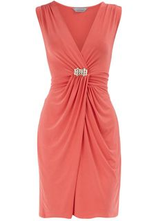 coral mother of the bride dress Coral dress - a color that looks good on . Mother Of Groom Dresses, Bride Groom Dress, Mothers Dresses, Mother Of The Bride, Elegant Dresses, Pretty Dresses, Beautiful Dresses, Coral Dress, Orange Dress