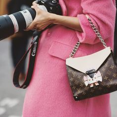 CATCH-a-TREND. A Curation Of Street Style Excellence. #catchatrend #streetstyle #louisvuitton #handbag