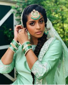 Super Woman Lilly Singh Gets allll Desi Touch, Steal The Hearts With Her Ethnic Looks - HungryBoo Beautiful Girl Indian, Beautiful Girl Image, Gorgeous Women, Tikka Hairstyle, Lily Singh, Vogue Photoshoot, Famous Youtubers, Girls Run The World, The Face