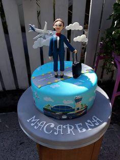 torta con decoración y diseño de azafata