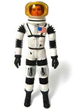Major Matt Mason was an early action figure from the an astronaut who lived and worked on the Moon. Mason's space-suited body was molded of a rubber-like material over a wire armature Vintage Toys 1960s, 1960s Toys, Retro Toys, My Childhood Memories, Childhood Toys, Old School Toys, Space Toys, To Infinity And Beyond, Toy Soldiers