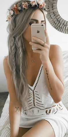 54 Best Bohemian Hairstyles That Turn Heads Bohemian hairstyles are oriented on romantic souls who wish to look amazing. We have picked the most flattering boho hairstyles for you to try. Bohemian Hairstyles, African Hairstyles, Braided Hairstyles, Hairstyles 2016, Party Hairstyles, Boho Hairstyles For Long Hair, Flower Hairstyles, Evening Hairstyles, Teenage Hairstyles