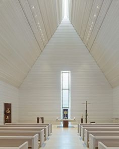 Bruckner&Bruckner Chapel of St. John the Baptist International Prize for Sacred … Bruckner&Bruckner Chapel of St. John the Baptist International Prize for Sacred Architecture 2016 – Special Mention Berlin Sacred Architecture, Church Architecture, Religious Architecture, Interior Architecture, Interior Design, Architecture Religieuse, Modern Church, Church Interior, Church Design