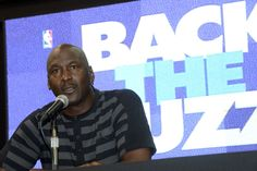 Michael Jordan uses Hornets' Twitter to announce NBA comeback