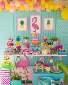 Colors and inspiration for a flamingo themed party.Festa do flamingo By Fotos porWrap boxes and put READ on them Aloha Party, Luau Party, Pink Flamingo Party, Flamingo Birthday, 13th Birthday Parties, Luau Birthday, First Birthdays, Party Themes, Party Ideas