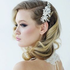 29 Stunning Vintage Wedding Hairstyles we ❤ this! moncheribridals.com
