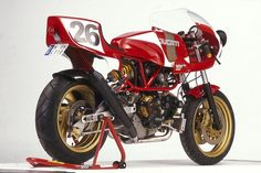 RocketGarage Cafe Racer: SUPERPANTAH 900