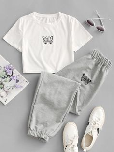 Cute Lazy Outfits, Crop Top Outfits, Teenage Outfits, Outfits For Teens, Pretty Outfits, Stylish Outfits, Cool Outfits, Girls Fashion Clothes, Teen Fashion Outfits