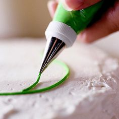 Cake Decorating Basics - lots of info!