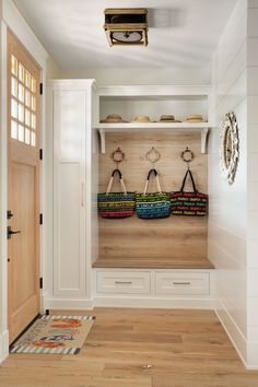 Mudroom Ideas – A mudroom may not be a very essential part of the house. Smart Mudroom Ideas to Enhance Your Home Home Renovation, Home Remodeling, Mudroom Laundry Room, Custom Homes, Sweet Home, New Homes, House Design, Design 24, Clean Design