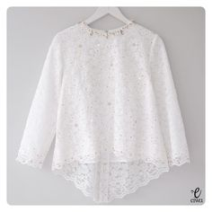 TOP0079 (white) Available in XS - XL Bust 86 // 92 // 96 // 100 // 106 Length 55/70cm Sleeve 50cm with Lining For more details and price please contact us :) -- *Colors may appear slightly different due to lighting during photoshoot, pc/smartphone picture resolution, or individual monitor setting.