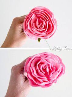 Step 7 - How to make a felt peony - felt flower tutorial by Melly Sews Wine Bottle Crafts, Mason Jar Crafts, Mason Jar Diy, Felt Flowers, Diy Flowers, Fabric Flowers, Ribbon Flower, Felt Flower Headbands, Zipper Flowers