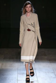 Victoria Beckham Spring 2015 Ready-to-Wear - Style.com