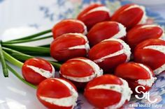 filled-tomatoe-appetizer Food Expert Experiment - Recipe of the day - Delicious Appetite Appetizers - Decoration tips and tricks - Creative food ideas Best Appetizers, Appetizer Recipes, Snack Recipes, Healthy Recipes, Appetizer Ideas, Wedding Appetizers, Tomato Appetizers, Easter Appetizers, Cheese Appetizers