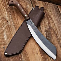 Short Personal Machete With a well balanced tropical hardwood handle