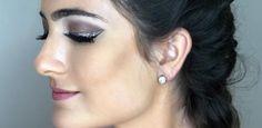Glitter: ideias discretas e arrasadoras para usar a tendência na maquiagem Glitter Acrylics, Acrylic Nails, Diamond Earrings, Pearl Earrings, Glitter Eyeshadow, Coffin Nails, Pearls, Jewelry, Fantasy Party