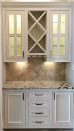 Kitchen Bar Top Decor Wine Racks 17 Ideas for 2019 Kitchen bar top decor wine racks 17 ideas for 2019 - Own Kitchen Pantry Kitchen Redo, New Kitchen, Kitchen Design, Kitchen Pantry, Kitchen Ideas, Granite Kitchen, Kitchen Modern, Granite Countertops, Kitchen Bar Decor